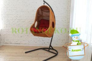НГ Подвесное кресло, ротанг- орех, подушка красная